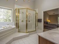 Owner's Bath_3.jpg