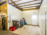 Farrier and Wash Area w/hot and cold water